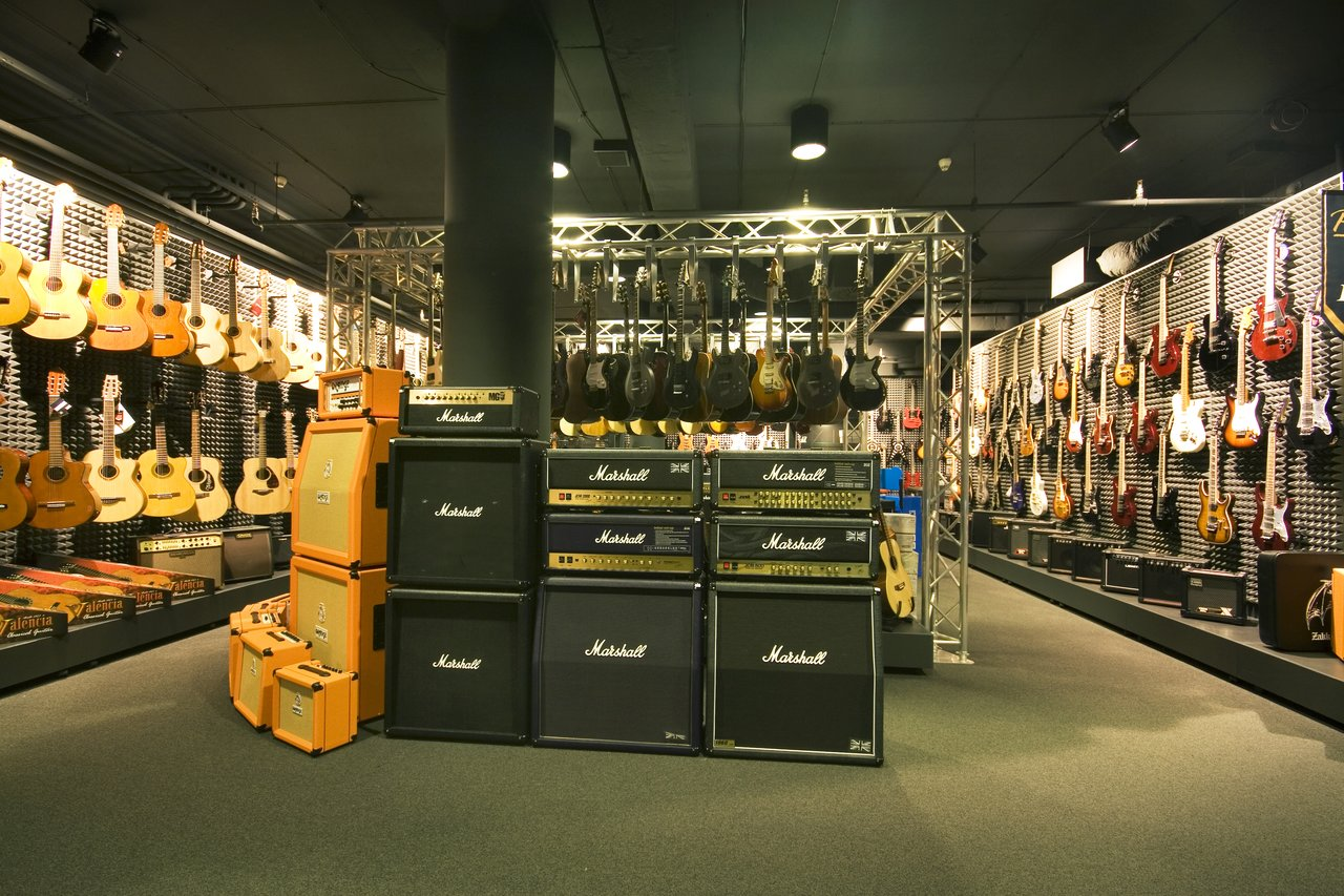 Instrumenty muzyczne Praha - Smíchov