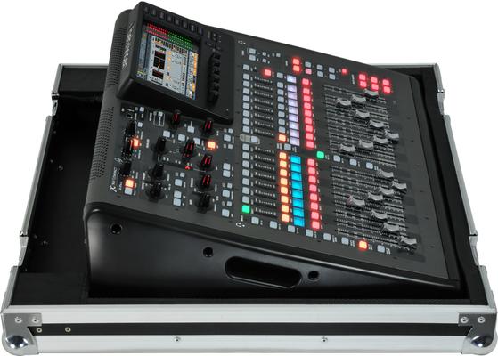 Behringer X32 TP Digitální mixpult