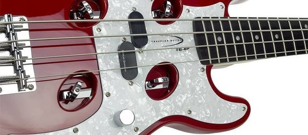 Traveler Guitar Traveler TB-4P Bass Red
