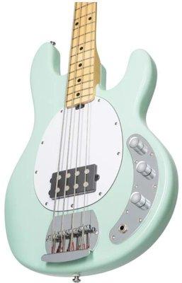 Sterling by MusicMan S.U.B. RAY4 Bas electric