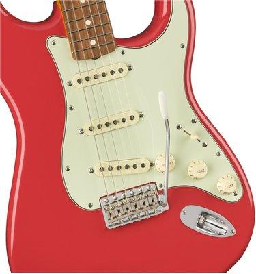 Fender 60s Classic Series Stratocaster Lacquer PF Fiesta Red
