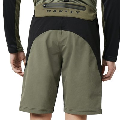 Oakley MTB Trail Short Beetle M