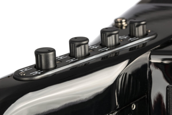 Hohner Mattia IV 120 CR C-Stepped Gun Black/Pearl Key