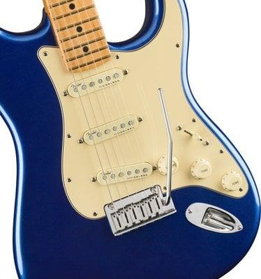 Fender American Ultra Stratocaster MN Cobra Blue