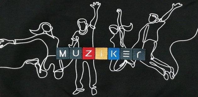 Muziker Mikina Time to Play Black M