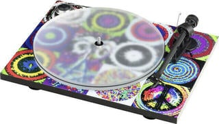 Pro-Ject Peace & Love Turntable OM 10